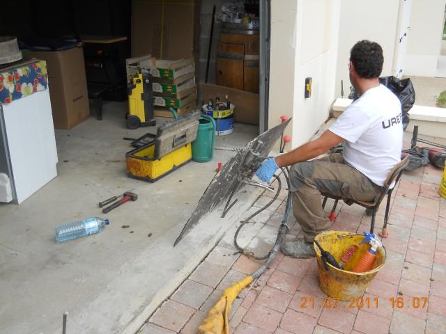 D tachement d un garage suite un manque de portance du sol seine et marne - Injection de resine sous fondations ...
