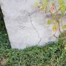 Fissure extérieure en bas de mur